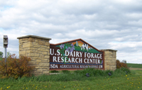 Image of the sign at the entrance to the USDFRC Farm showing UW and ARS-USDA affliations.