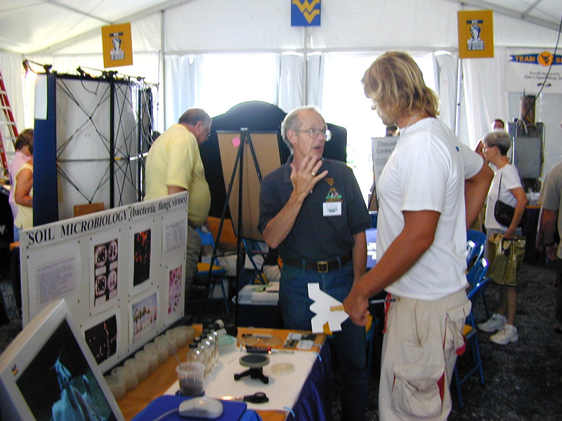 Dr. Staley talks to State Fair visitor