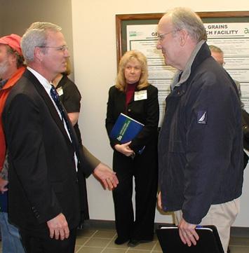 Dr. Bonman greets Senator Larry Craig