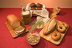 A display of several grain-based food products with 2.5 grams or more of fiber. Link to photo information