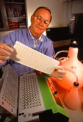 Tim Kramer in laboratory