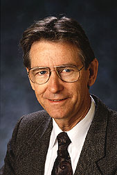 Robert Davis, ARS plant pathologist