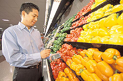 Nutritionist finds the nutrient content of bell peppers:  Click here for full photo caption.