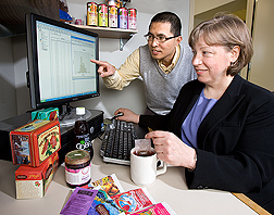 Antioxidants Research Laboratory scientists Diane McKay and Oliver Chen discuss the results of their hibiscus tea study, which showed the effectiveness of this beverage in reducing blood pressure: Click here for photo caption.